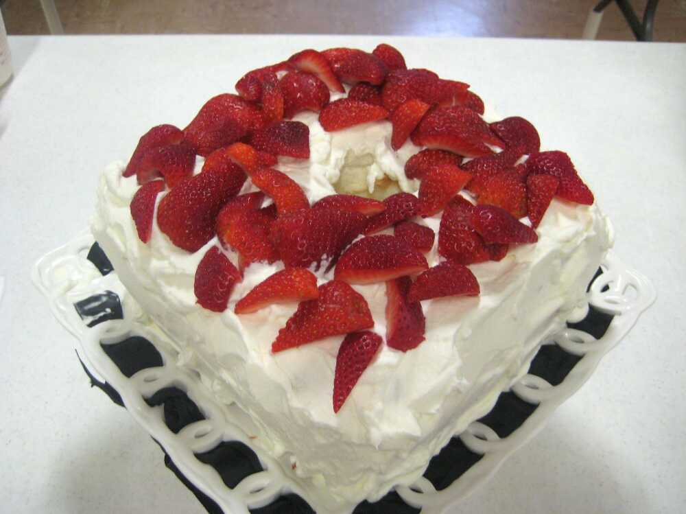 Blog: A Taste of Spring - Strawberry Cream Angel Food Cake | Southeast ...