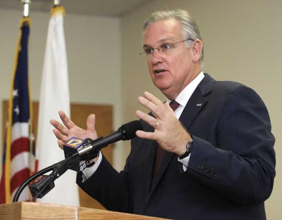 Missouri Governor Vetoes Bill Nullifying Federal Gun Grab