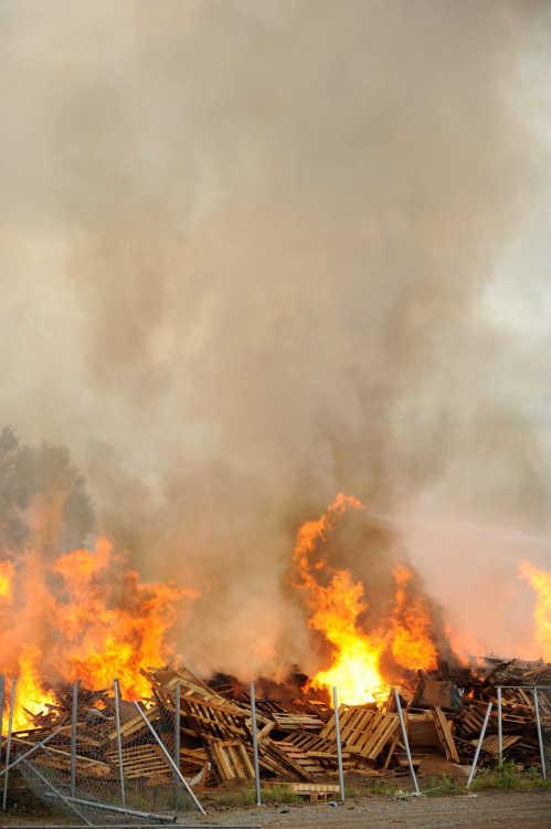 Local News Several Fire Crews Fight Blaze At Scott County