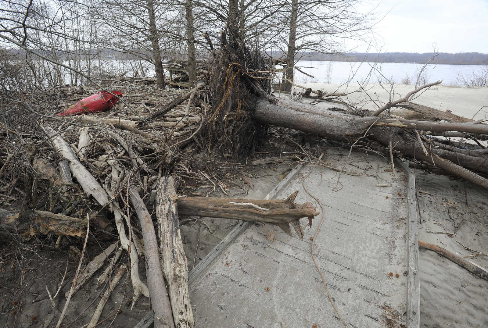 Illinois alexander county thebes - The Flooded Mississippi River Brought Various Debris To The Boardwalk North Of Thebes Illinois As Seen Jan 16 2016