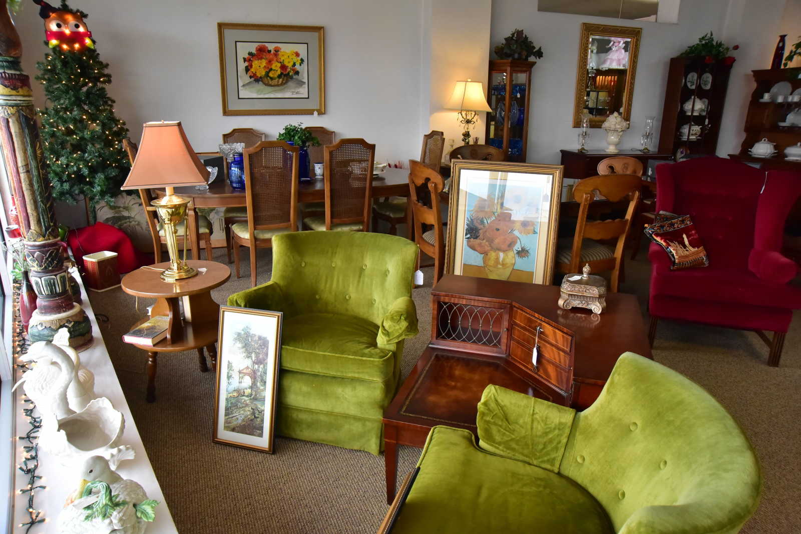 Furniture is displayed at Advance Wise Buys Friday  March 17  2017 in  Advance  Advance Wise Buys is an antique shop along with furniture and  piano. Photo gallery  Advance Wise Buys  4 14 17    Southeast Missourian