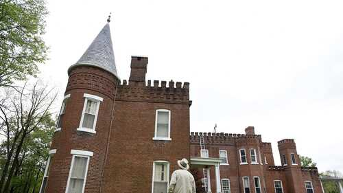 Event includes the first public tour of 200-year-old Elmwood Manor