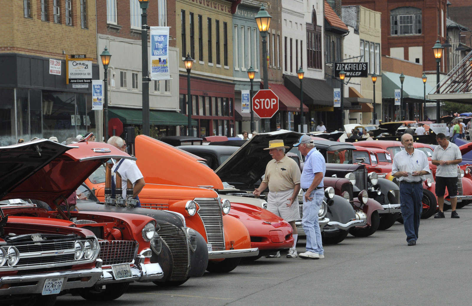 Photo gallery: River Tales Classic Car Show (9/19/10)   Southeast ...