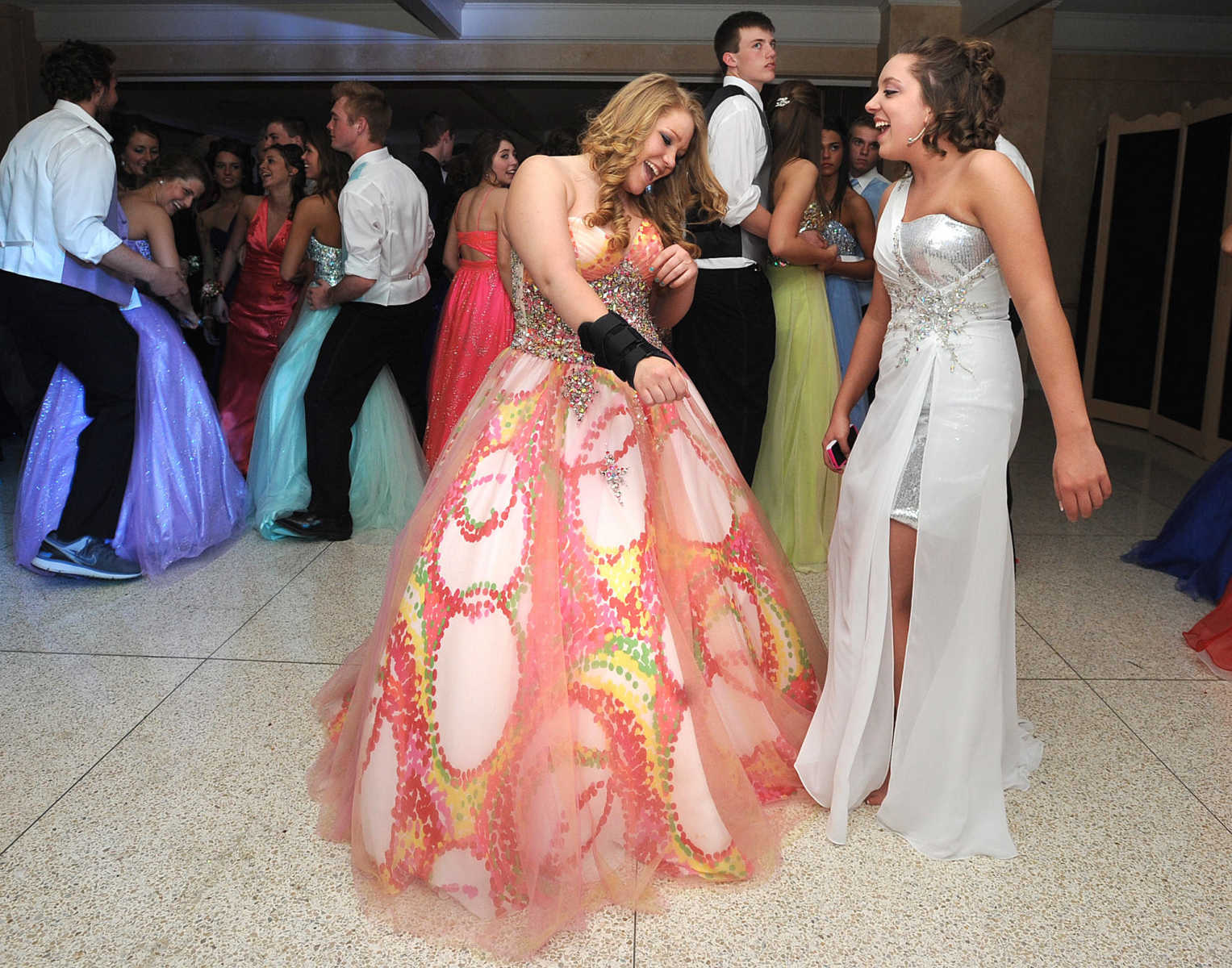 Saxony Lutheran High School Held Its A Dream Come True Themed Prom Saturday April 6 2013 At The Cape Girardeau Country Club Laura Simon