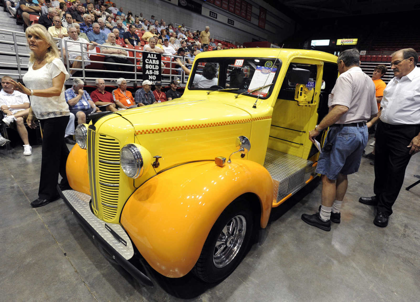 Photo gallery: Smith\'s Auction Co. Collector Car Auction (7/13/13 ...