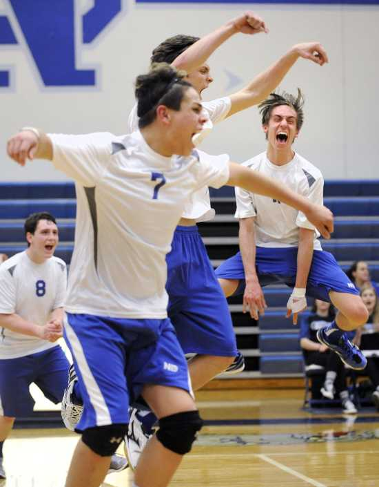 da4ae5db19484f Notre Dame boys volleyball team overcomes slow start to win in three sets
