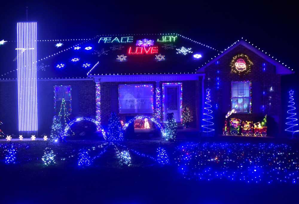 Light And Music Show: Jackson Family Goes High Tech With Christmas Display