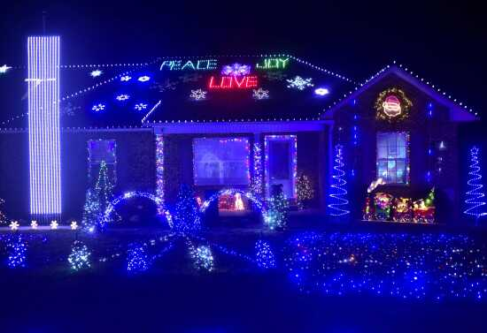 light and music show jackson family goes high tech with christmas display