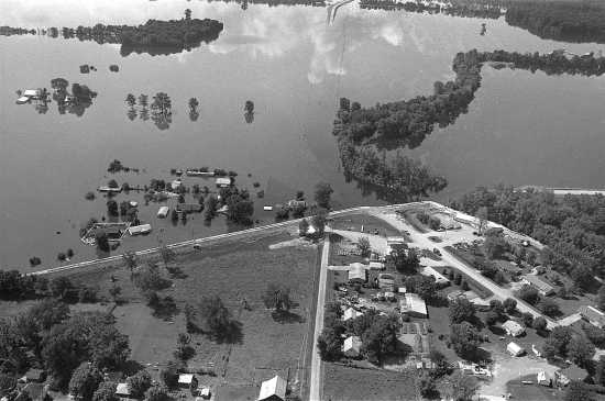 Local News: Chronology of the Great Flood of 1993 (7/16/18