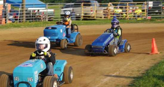Lawn Mower Racing >> Entertainment Gentlemen Start Your Mowers Lawn Mower